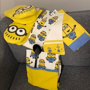 Authentic 'Minions' Apron, oven mitt, towels